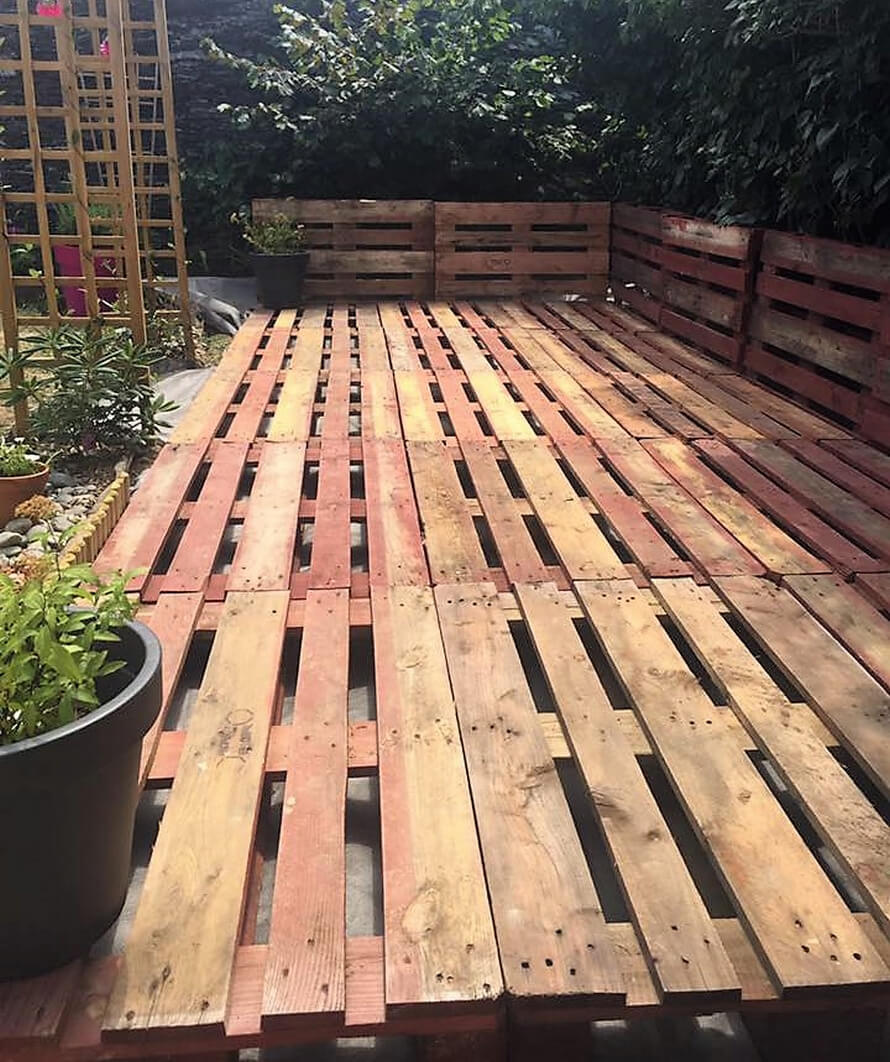 pallets made garden terrace