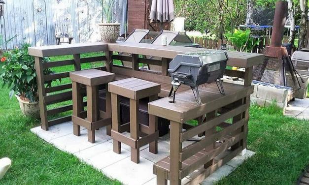 Wood Pallets Garden BBQ / Bar Terrace