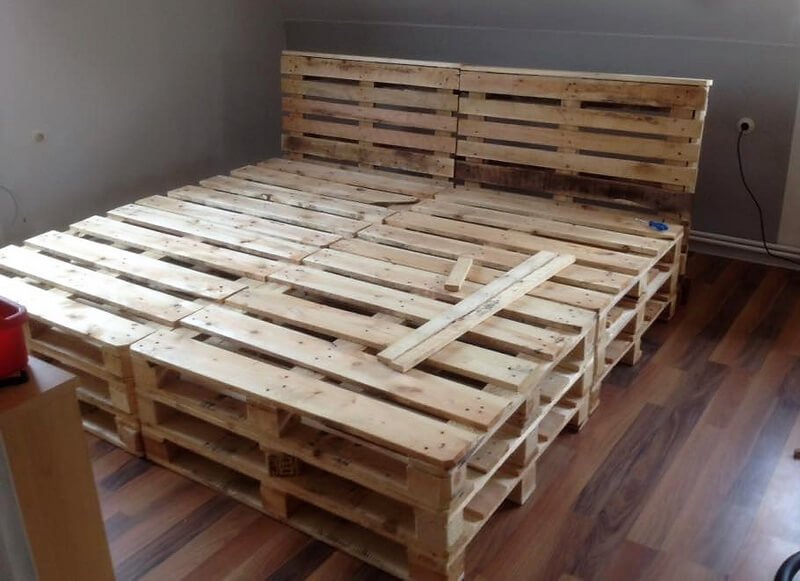 pallets wooden bed