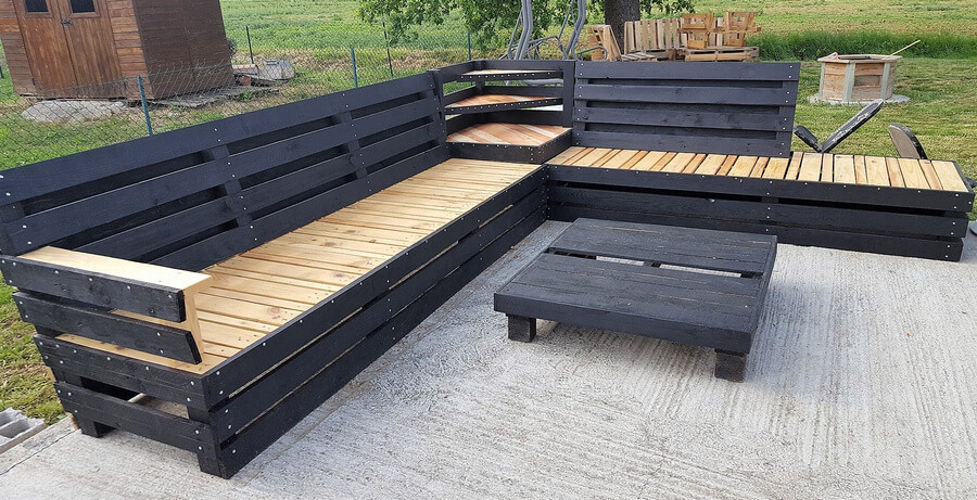 recycled pallet patio couch 2