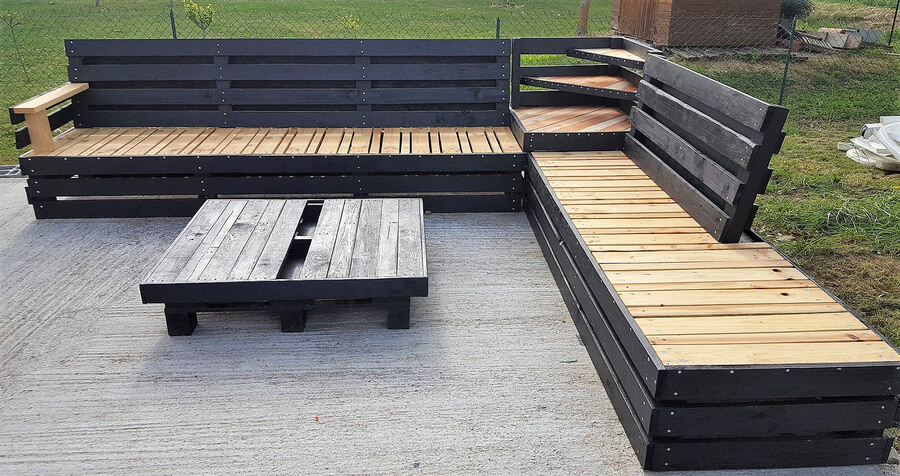 recycled pallet patio couch 3