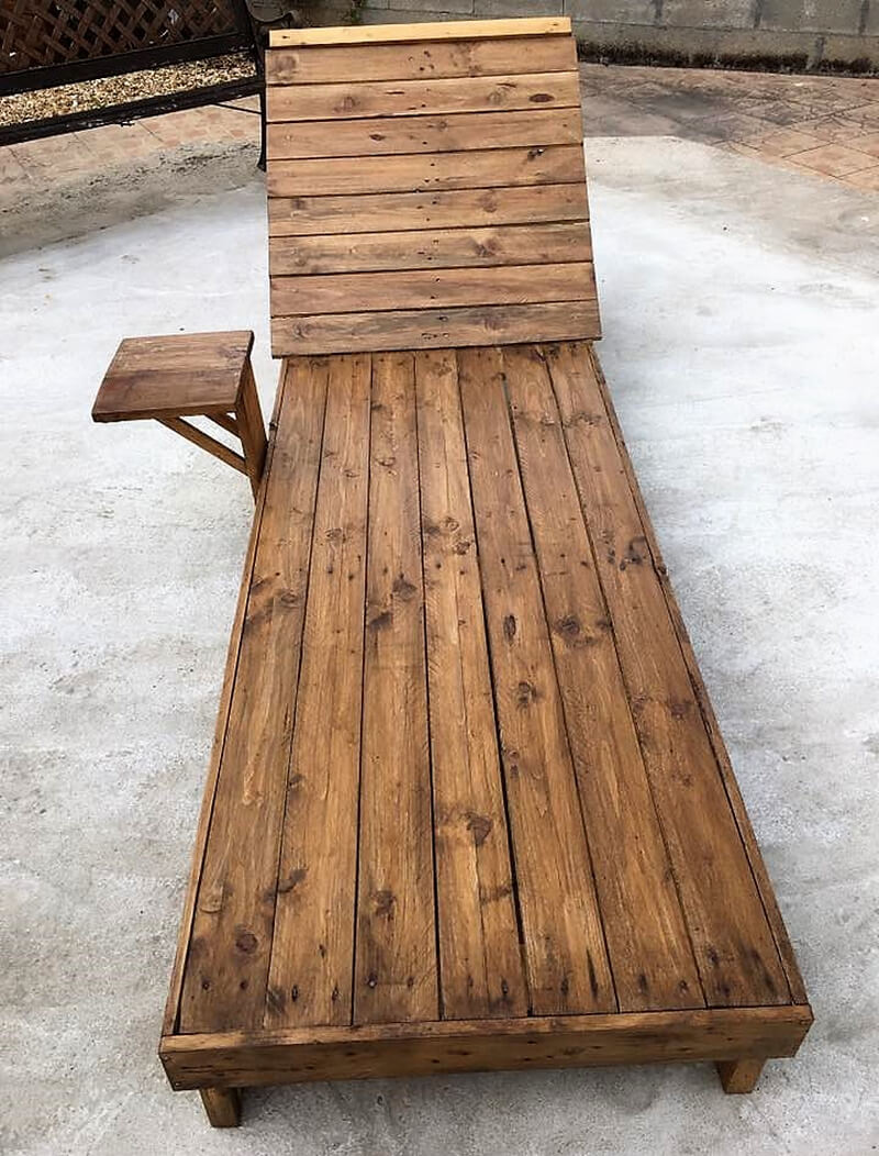 wood pallet sun lounger