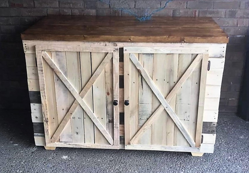 Recycled Pallets Rustic Entertainment Unit
