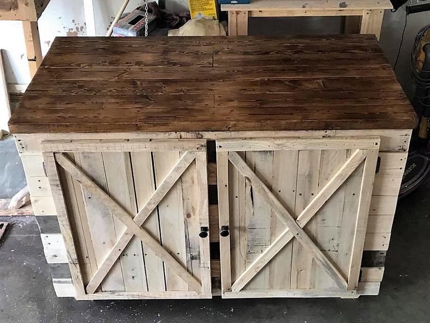 Wood Pallets Rustic Entertainment Unit