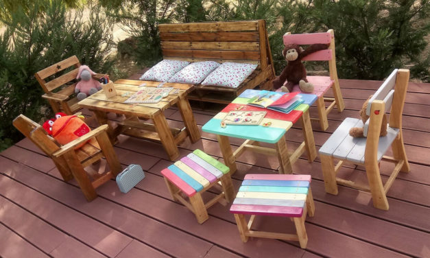 Kids Outdoor Furniture Made with Used Pallets