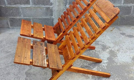 Recycled Wood Pallets Folding Chairs