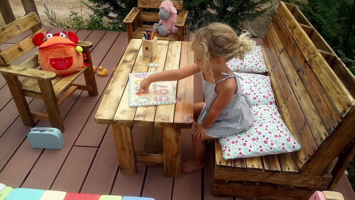 pallets kids furniture