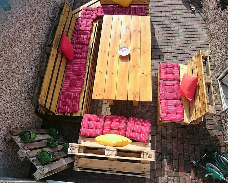 pallets patio lounge