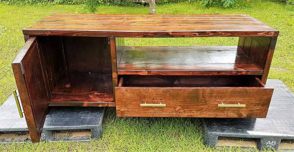 pallets wood recycled tv stand