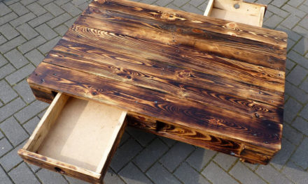 Reused Old Wooden Pallets Made Table