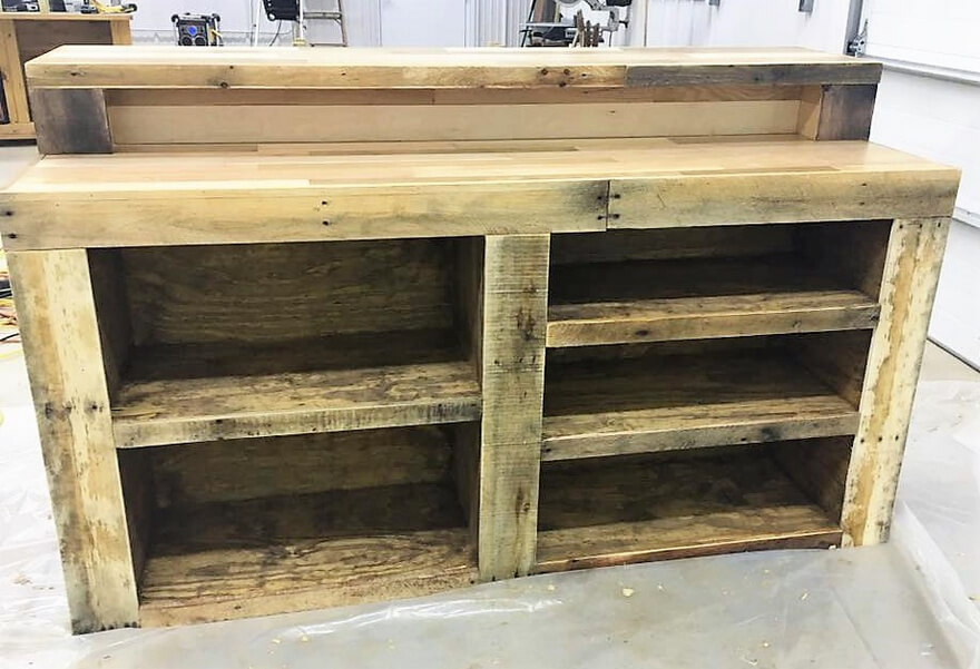 repurposed pallets wooden bar
