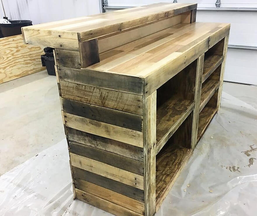 Repurposed Wooden Pallets Classic Bar | Pallet Ideas