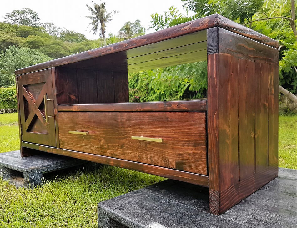 wooden pallets tv stand