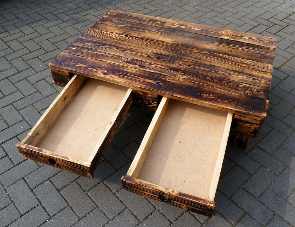 woooden pallets table