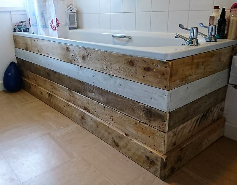 pallets idea for bath tub