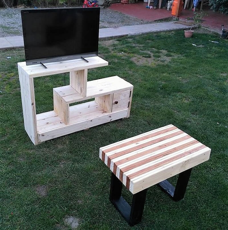 pallets tv rack idea