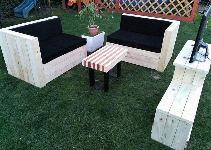 pallets wooden couch set