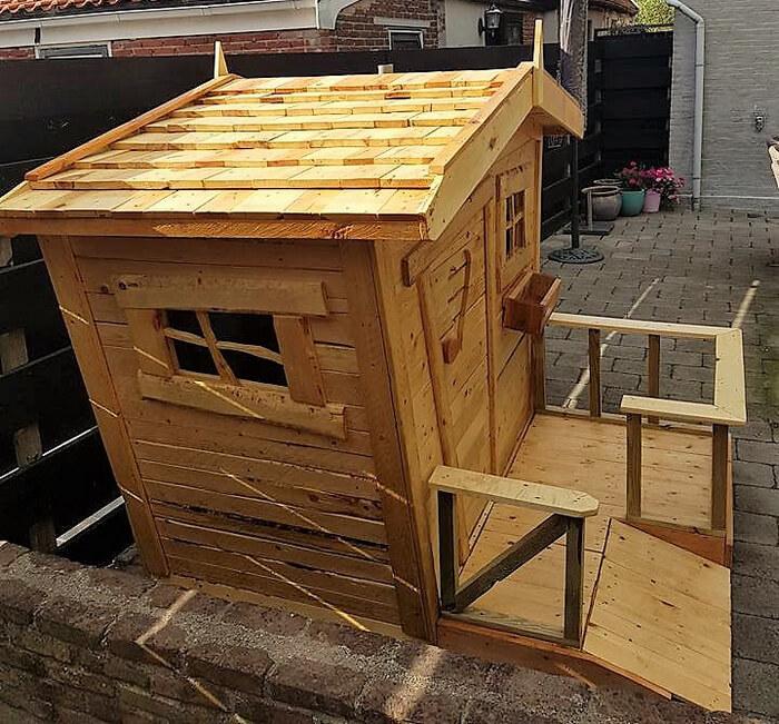 pallets wooden kids playhouse