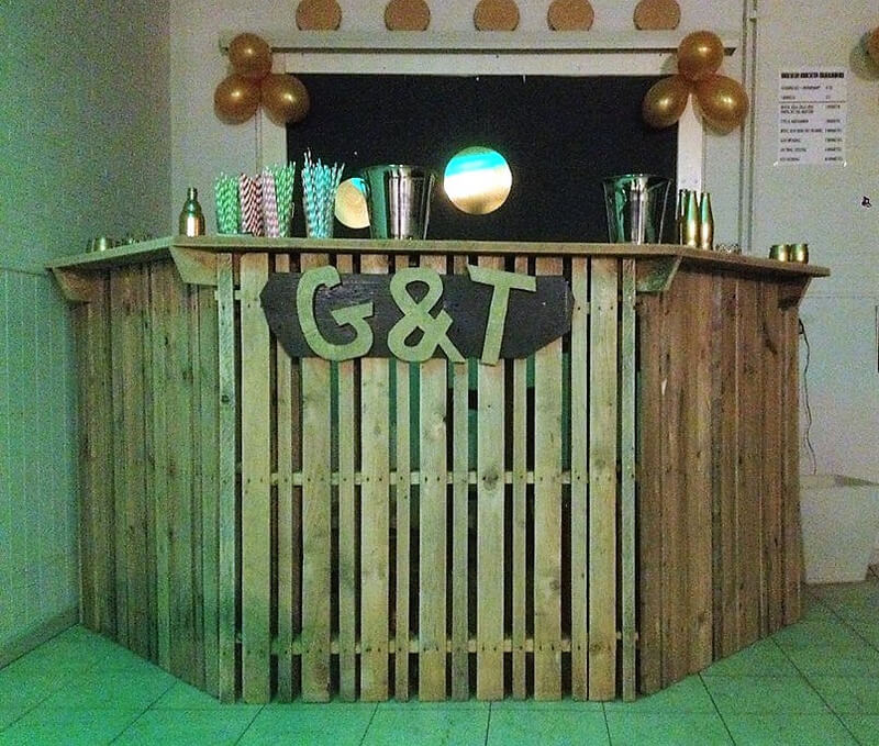 recycled pallets bar