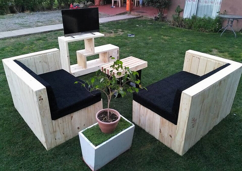 repurposed pallets furniture