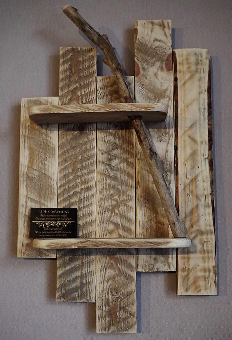 pallet rustic shelf art