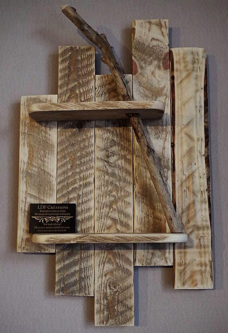 pallet rustic shelf art
