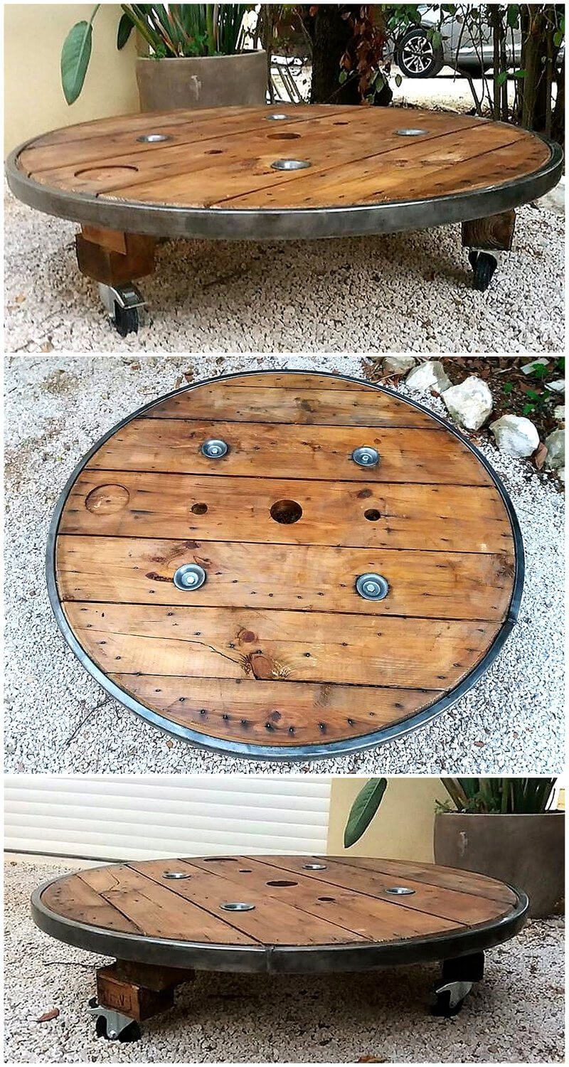 30 useful wood pallet reusing ideas pallet ideas part 2 for Pallet wall on wheels