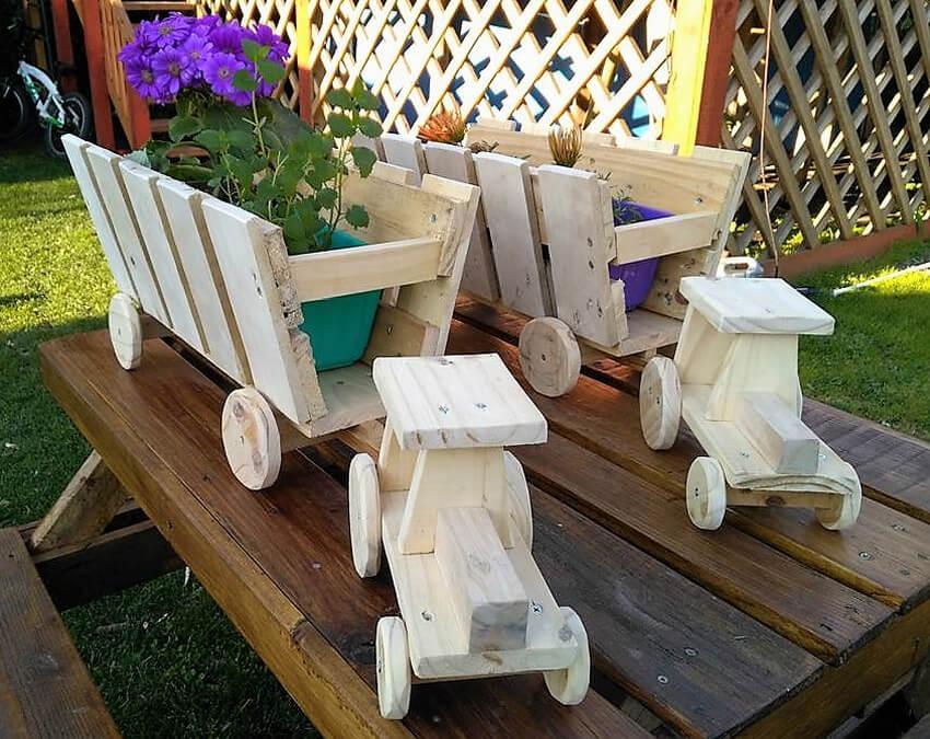 pallets garden pots tractor art