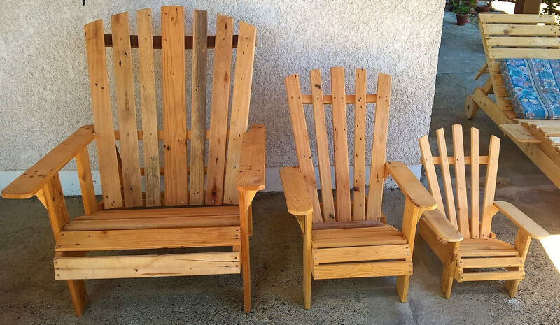 repurposed pallets chair set