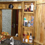 DIY Wooden Pallet Mirror Plan