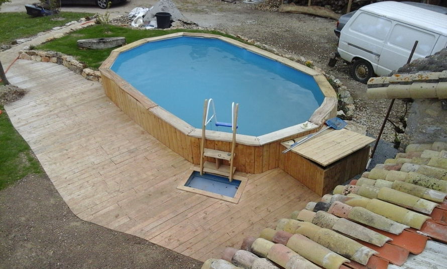 DIY Pallet Wood Swimming Pool