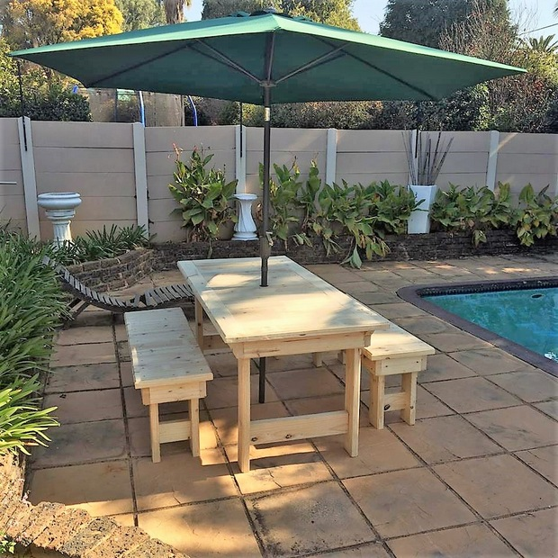 Wood Pallet Outdoor Furniture Set