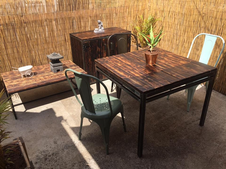 Reclaimed Wood Pallet Outdoor Furniture Set