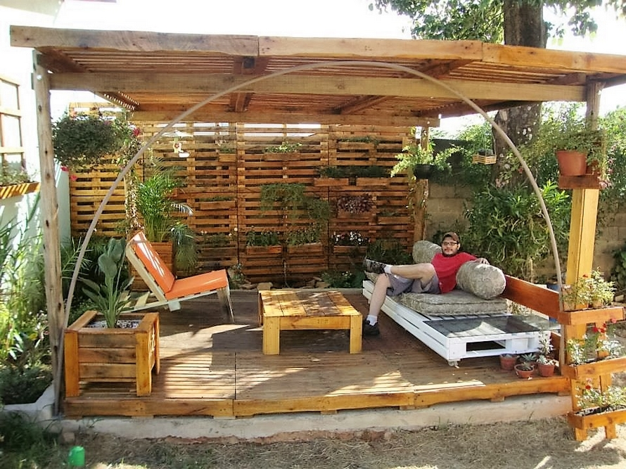 Pallet Wood Made Garden Pergola Sitting