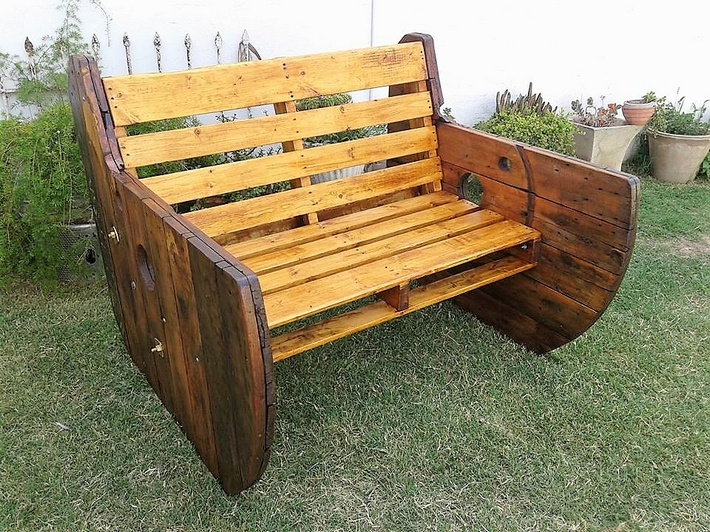 Ways to Convert Pallets Into Something Amazing