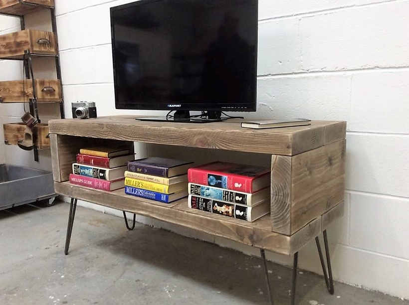 Reclaimed Wooden Pallets TV Multimedia Stand