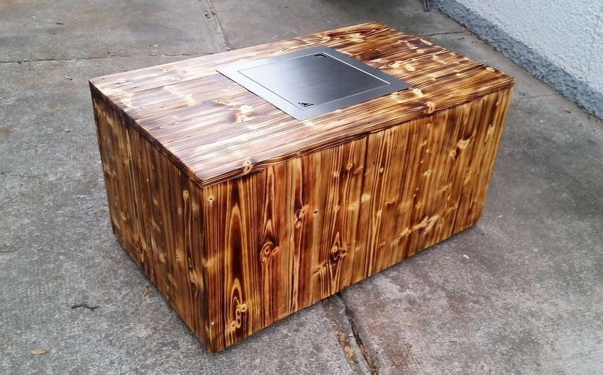 Pallets Coffee Table with Inside Firepit