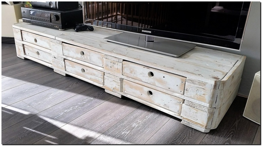 Repurposed Pallets TV Stand with Drawers