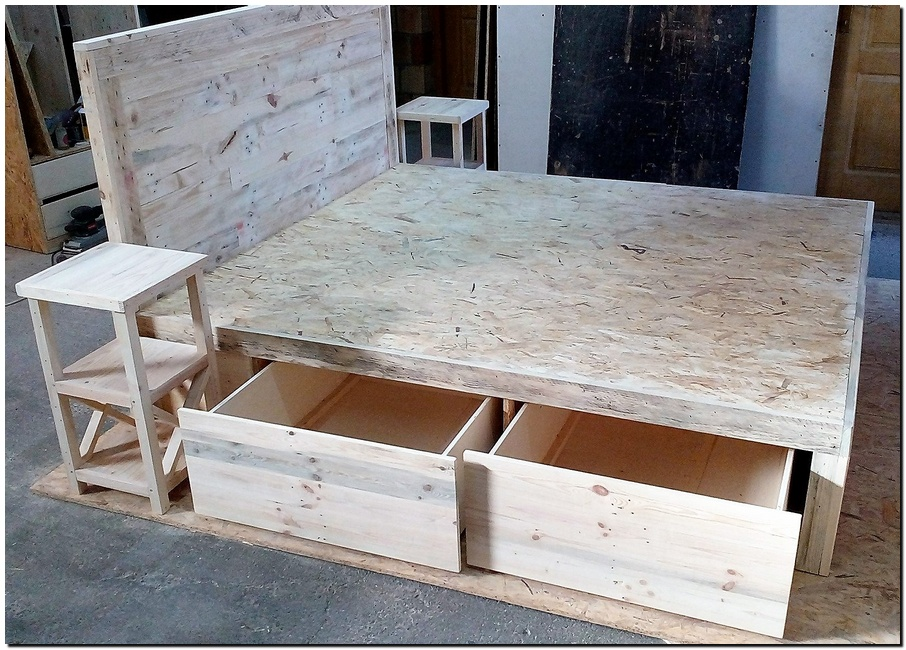Pallet ideas diy wood pallet furniture pallet projects and plans - Diy projects with wooden palletsideas easy to carry out ...