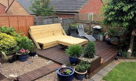 Pallets Powered Garden Deck with Furniture
