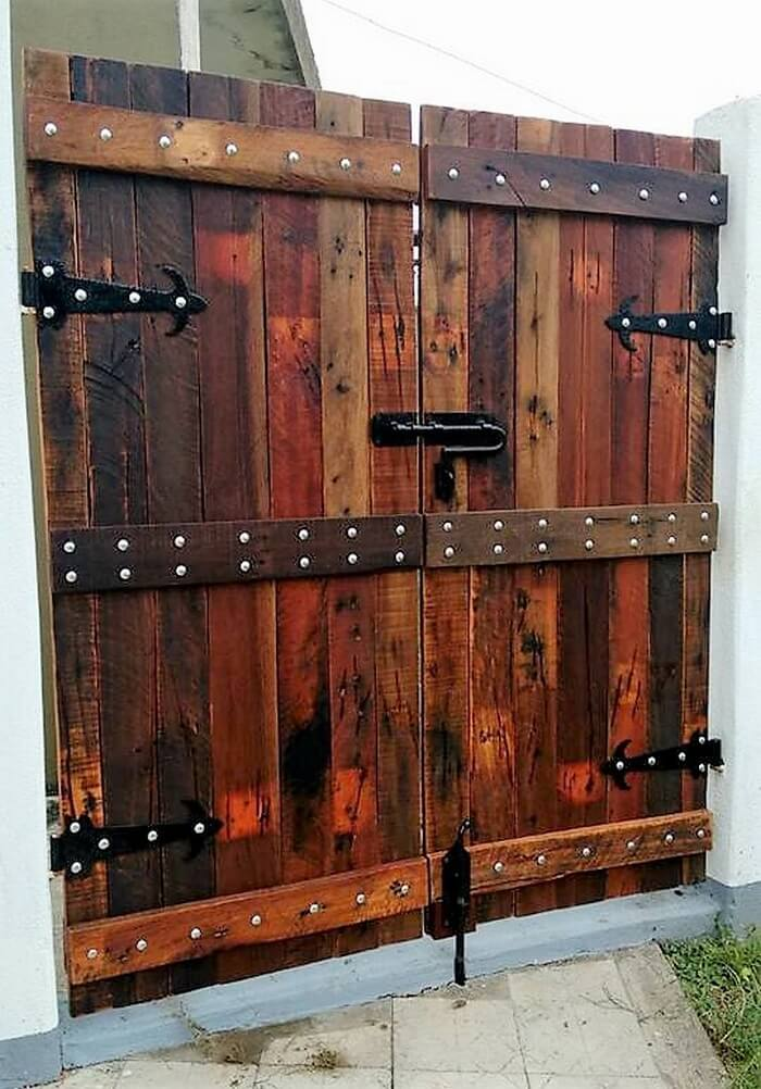 Repurposed Wooden Pallets Made Gate Pallet Ideas