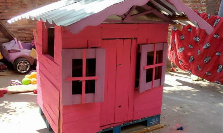 Repurposed Wood Pallets Kids Playhouse Cabin