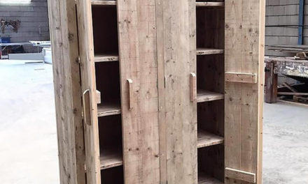 Pallets Wood Made Double Doors Closet