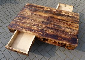 recycled pallets table