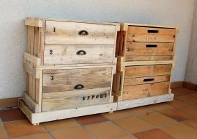 repurposed pallets entryway table