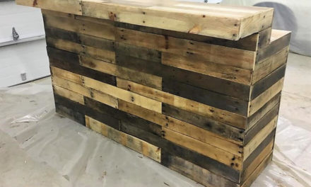 Repurposed Wooden Pallets Classic Bar