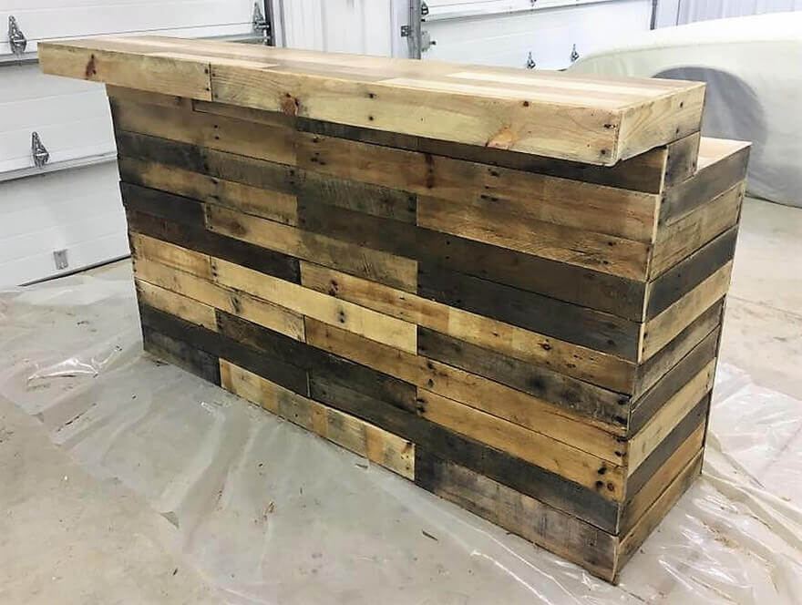 Repurposed wooden pallets classic bar pallet ideas for What to make out of those old wood pallets