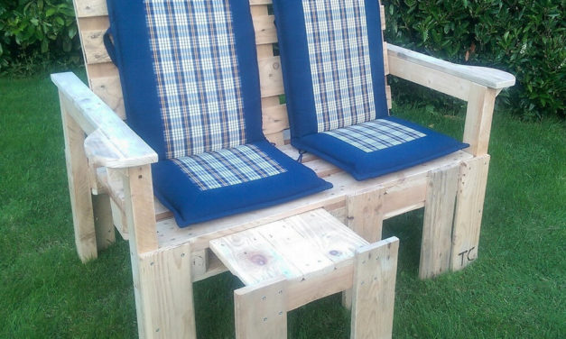 Pallets Bench with Adjustable Foot Stool And Backrest