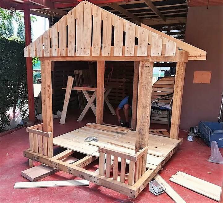 pallets wooden playhouse for kids