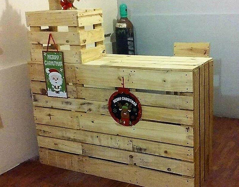 simple wooden pallet bar